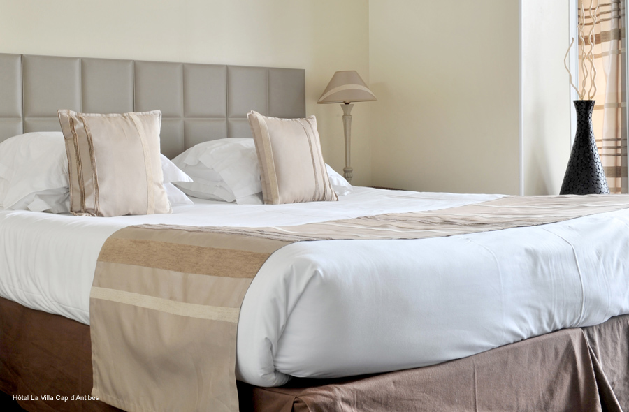 d cor du lit int rieurs. Black Bedroom Furniture Sets. Home Design Ideas