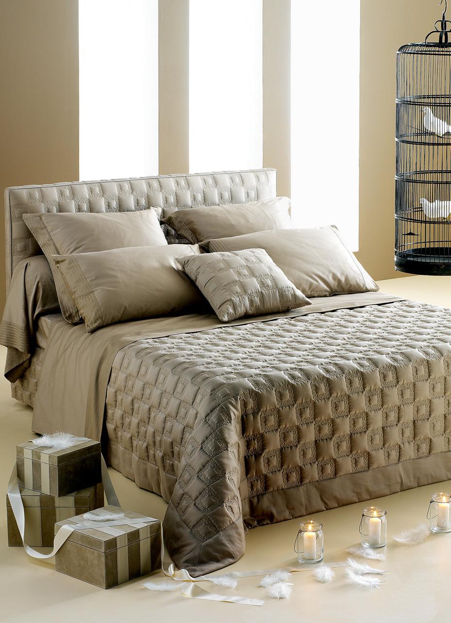 D cor du lit int rieurs - Decoration coussin design ...