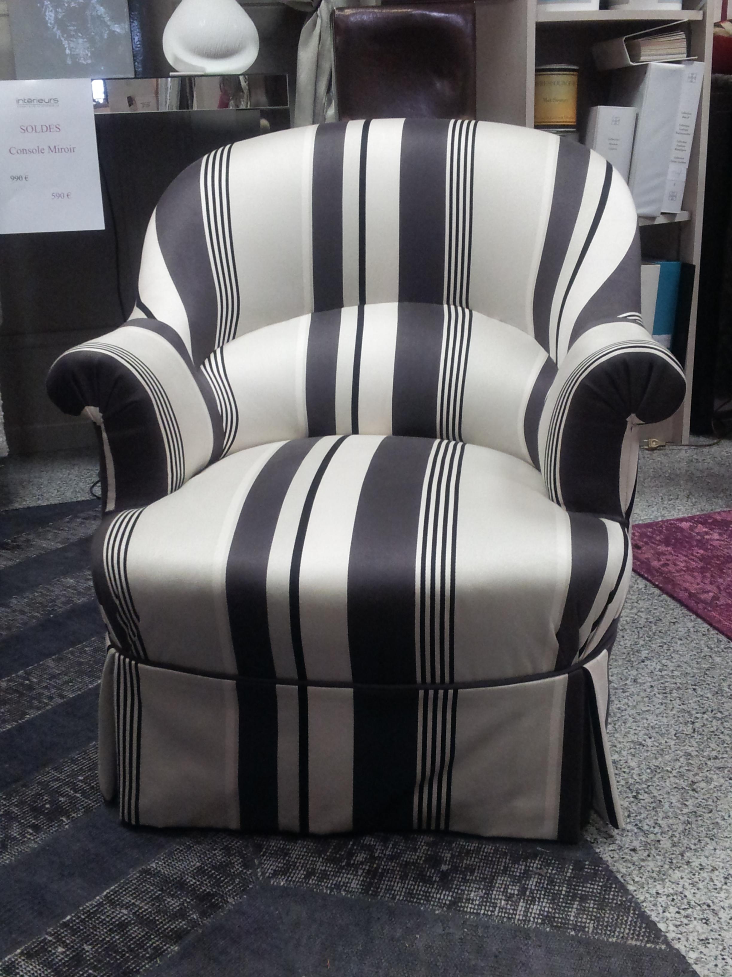 Les soldes chez int rieurs fauteuil crapaud bosse refait neuf int rieurs - Soldes fauteuil crapaud ...